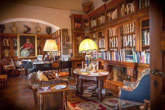 Pievescola, إيطاليا: Museum Library