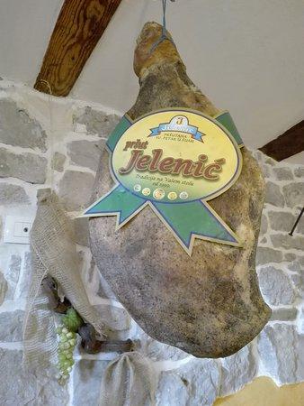 Roc, Kroatien: pršut, istrian ham