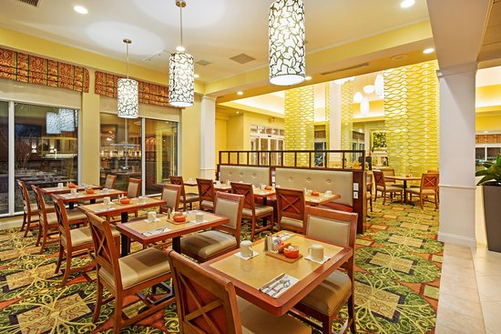 Hilton Garden Inn Myrtle Beach/Coastal Grand Mall: Restaurant Seating