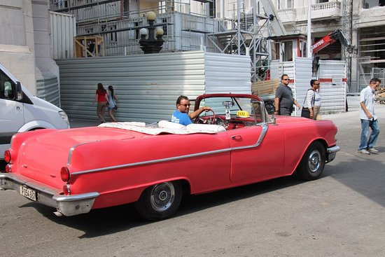Central Havana: Vintage American convertible used as taxi