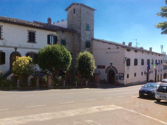 Relais Vignale: Hotel facade