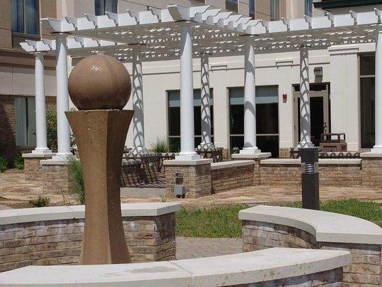 เอดินบะระ, อินเดียน่า: Fountain and Pergola