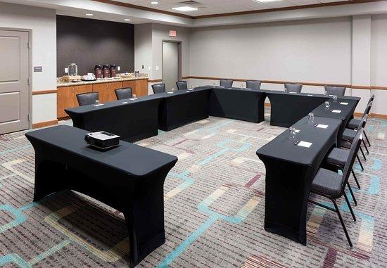 Lake Forest, IL: Meeting Room – U-Shape Setup