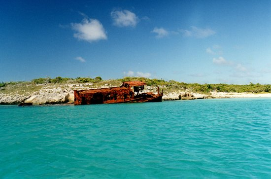 Las Bahamas: Wreck Of The John Davis