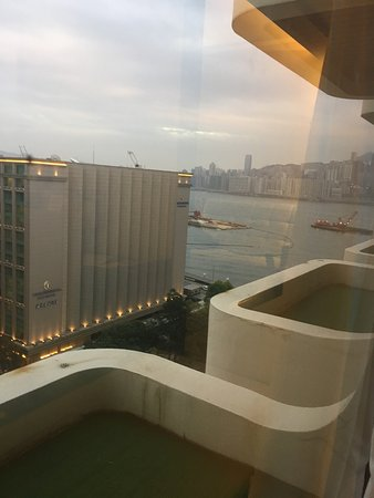 Regal Kowloon Hotel: Room with view
