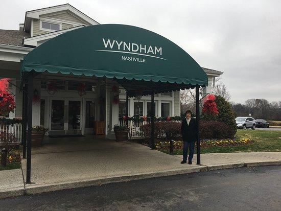 Wyndham Nashville: Check-in area