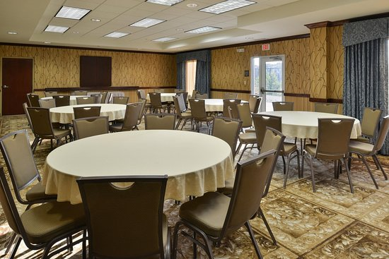 Fruitland, MD: Meeting Space