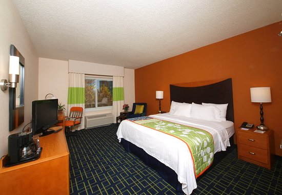 Cookeville, TN: King Guest Room