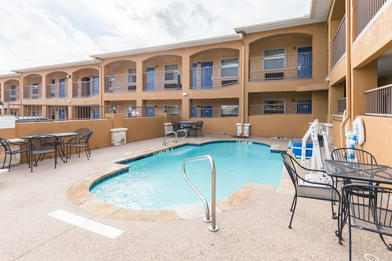 Pool - Picture of Motel 6 Alvarado Tx, Alvarado - Tripadvisor