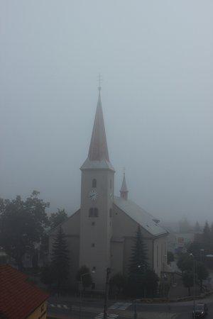 Tvrdosin, สโลวะเกีย: Vista della chiesa