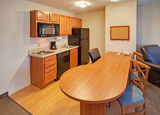 Bellevue, NE: One Bedroom King Suite