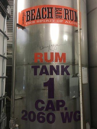 Makawao, Χαβάη: Sammay Hagar autographed this tank!