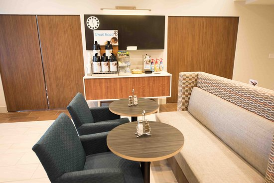 Holiday Inn Express Hotel & Suites West Coxsackie: Café