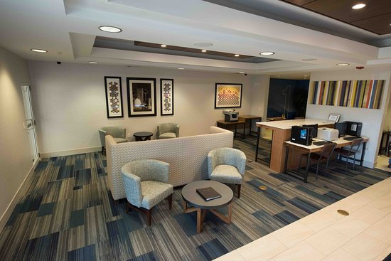 Holiday Inn Express Hotel & Suites West Coxsackie: Lobby Lounge
