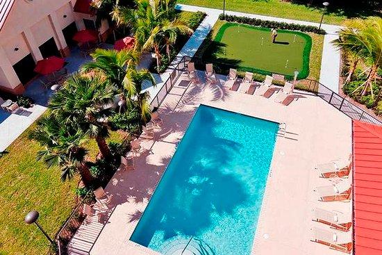 Homewood Suites West Palm Beach: Pool