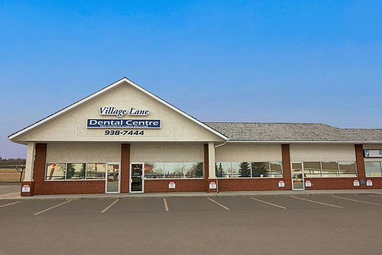 Okotoks, Canada: Village Lane Dental Centre is just 750m away from Pho Hoai