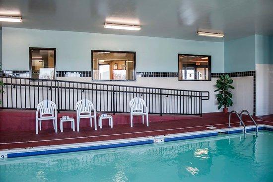 Cahokia, IL: Pool