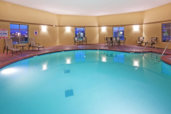 Holiday Inn Express Hotel & Suites Okmulgee: Swimming Pool