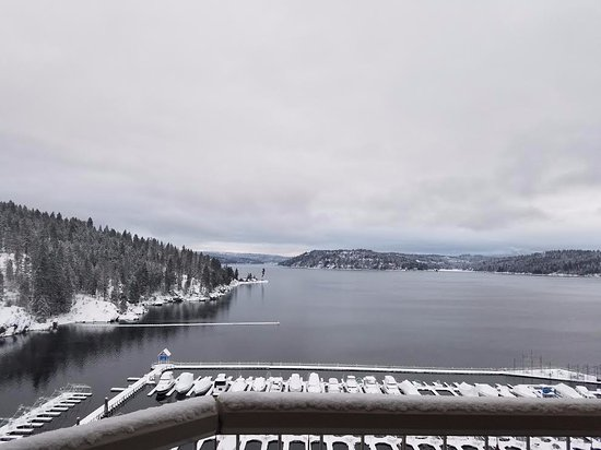 The Coeur d'Alene Resort: View from 14th floor tower room.