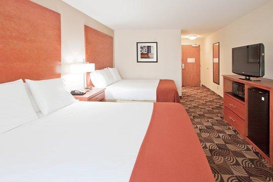 Bainbridge, GA: Leisure Room with Two Queen Beds.
