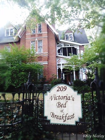 Victoria's Bed and Breakfast