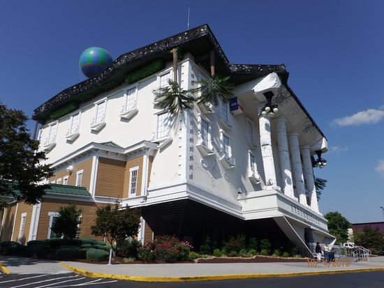 Upside Down House Picture Of Wonderworks Pigeon Forge