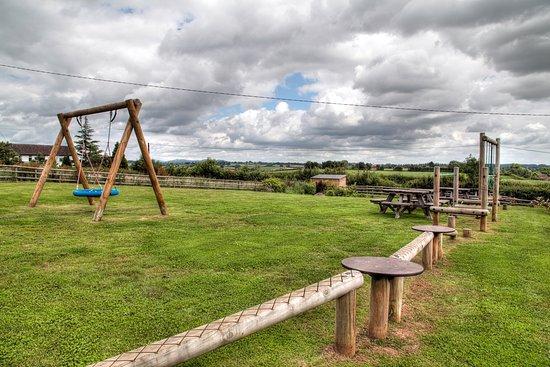Newent, UK: Children play area