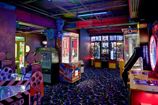 Chatham, Canadá: Play some games and win some prizes in our Game Room
