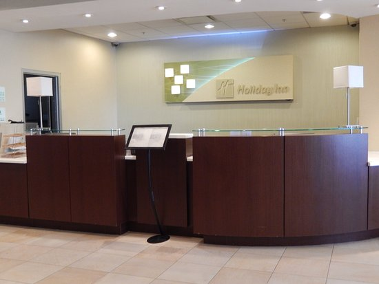 Holiday Inn Lansdale: Our Front Desk is available 24 hours to assist you!