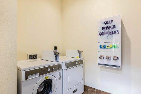 นิวตัน, แคนซัส: Laundry