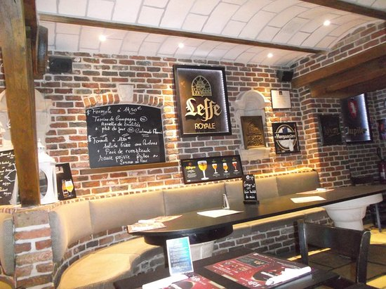 La Taverne flamande: Table for bigger party