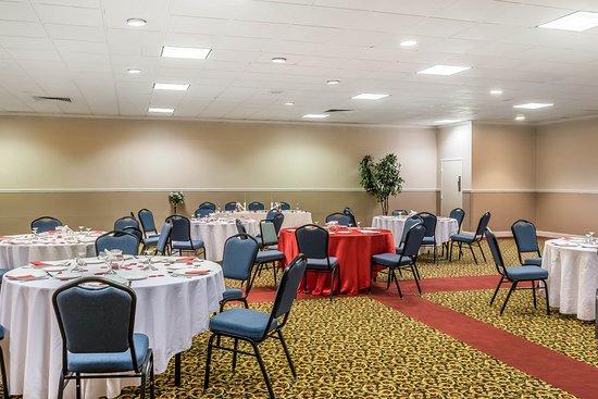 Milesburg, PA: Ballroom