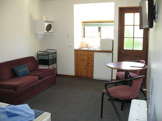 Fourpeaks Motel: Unit 1.