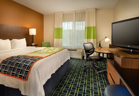 Fairfield Inn & Suites Baltimore BWI Airport: King Guest Room