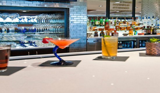 Super 8 Austin/Airport South: Enjoy a drink of your choice and join us for happy hour