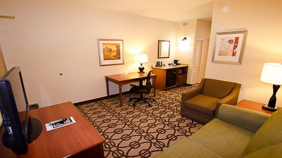 LaGrange, GA: Superior Room