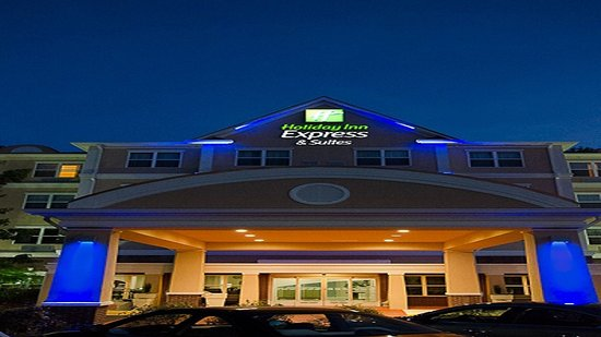 LaGrange, GA: Entrance