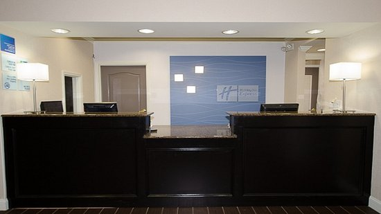 LaGrange, GA: Hotel Lobby