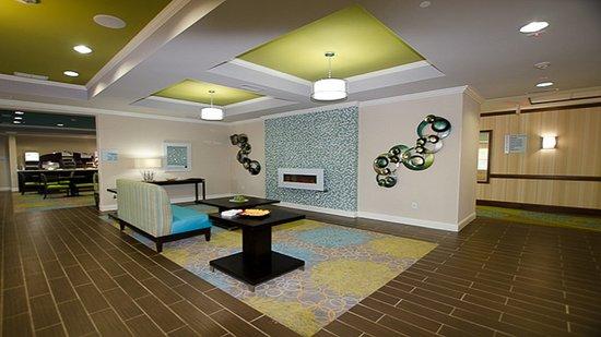 LaGrange, GA: Lobby Lounge