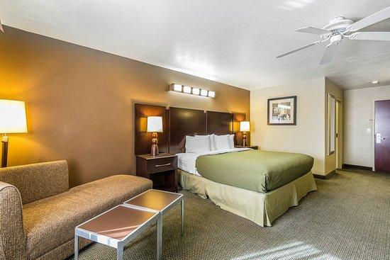 Washington, UT: Deluxe king room