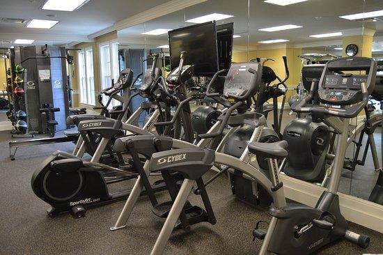 Rochester, MI: Fitness Center at Royal Park Hotel