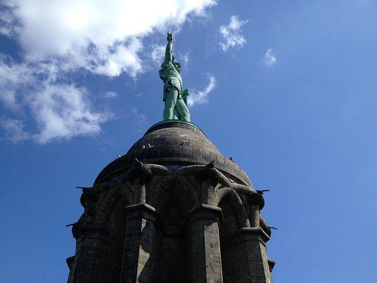 Hermannsdenkmal : Ein überragendes Denkmal mit Geschichte.
