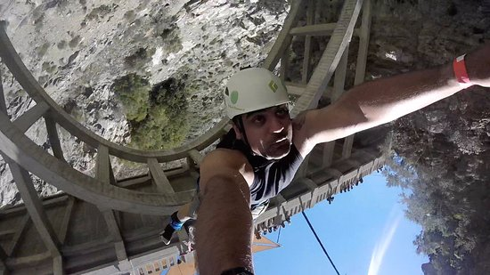 Azusa, Καλιφόρνια: Bungee of the bridge was the best part of adventure