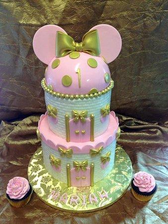 Burlington, KY: Gourmet cakes