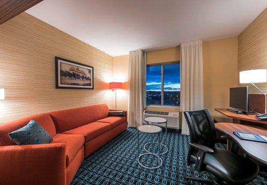 Leavenworth, KS: Suite Living Area