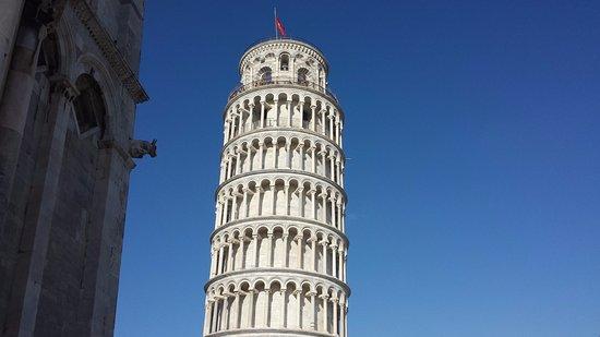 La tour de pise bild fr n torre di pisa pisa tripadvisor - La tour de pise se redresse ...