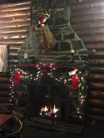 Prince Frederick, Maryland: Log cabin fire
