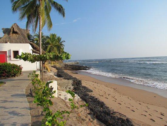 The 5 Best El Salvador Beach Resorts