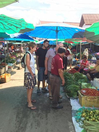 Tamnak Lao Cooking School: Selecting the ingredients in the Market in Luang Prabang