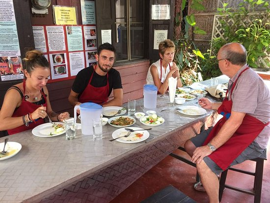 Tamnak Lao Cooking School: Lunch - trying our first Lao culinary efforts!